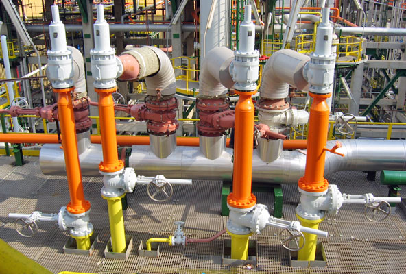 Valve interlock for pressure relief valves